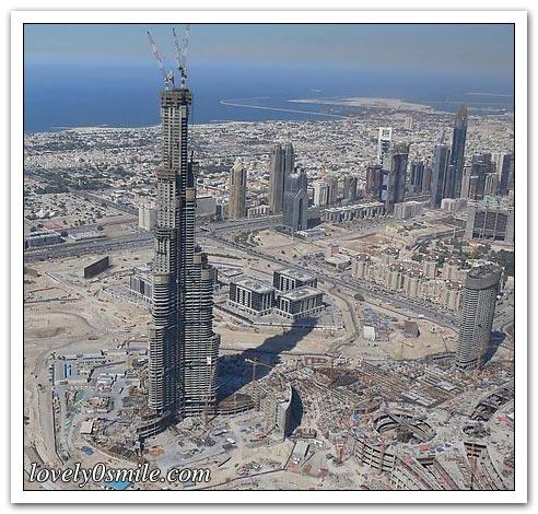 أحد الأبراج في دبي - صور