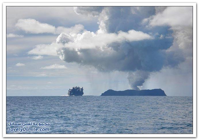 بِـرْكَـآنْ تَحْتْ سَطْحْ اَلْمَآءْ ... :| T03-eruptions-near-tonga