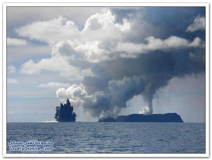 بِـرْكَـآنْ تَحْتْ سَطْحْ اَلْمَآءْ ... :| T04-eruptions-near-tonga