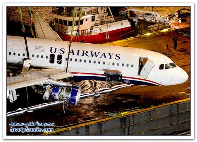 صور سقوط طائرة في البحر