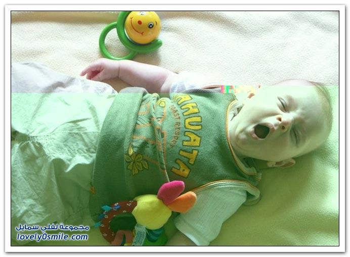 صور لتثائب الأطفال Babies-yawn-14