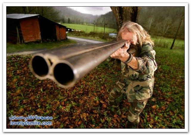 صور مسدسات ورشاشات أشكال وألوان