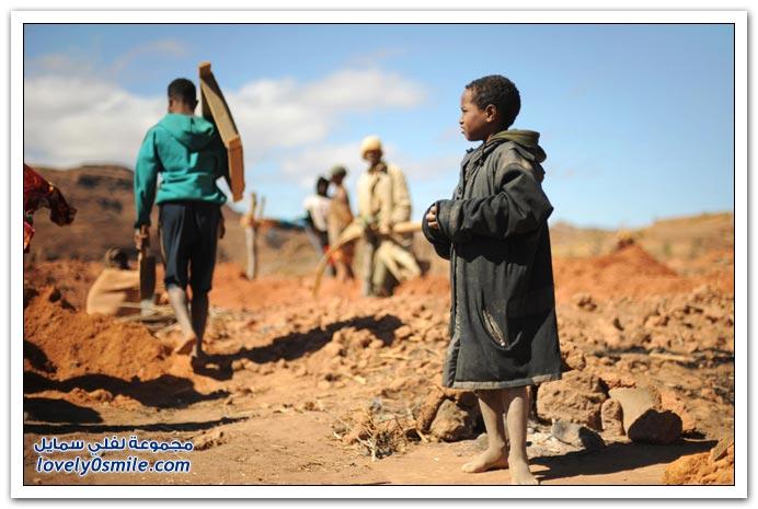 صور مناجم الياقوت في مدغشقر