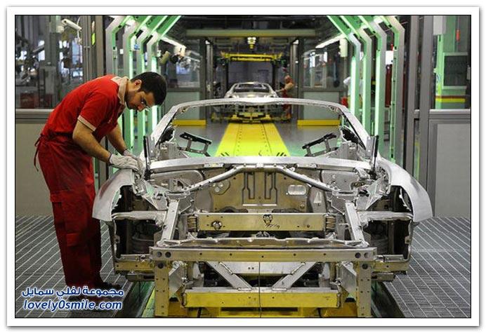 صور من داخل مصنع فيراري