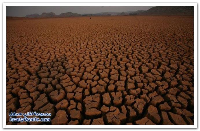 صور الجفاف في أحد أنهار الصين