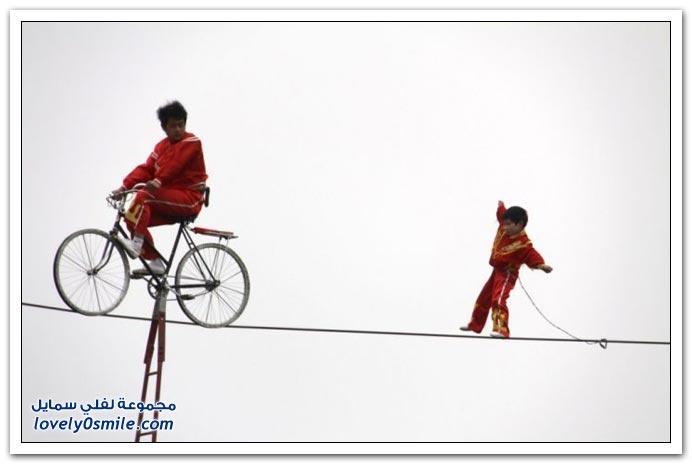 صور: قمة المخاطرة + طريقة تفاوض الشرطة الصينية مع الخاطفين + الصيد على الطاير