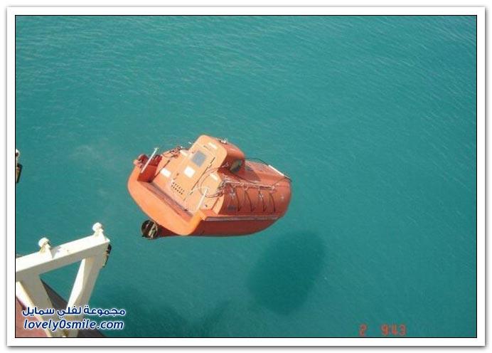 صور تصادم قطار شحن لسيارات بورش + تجربة إسقاط قارب نجاة