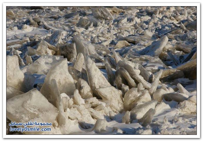 صور تجمد نهر المسيسبي