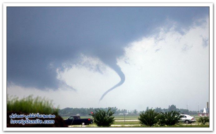 صور البرق والعواصف والأعاصير وتأثيراتها