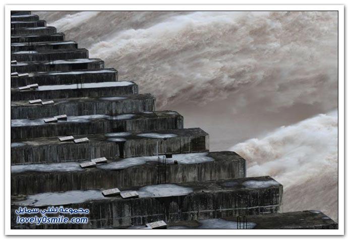 صور سد من أكبر سدود الصين على نهر اليانغتسى