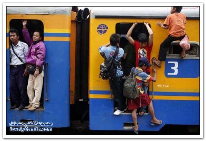 القطارات والزحام في جاكرتا