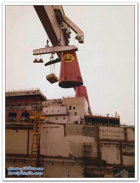 صور بناء الناقلات العملاقة