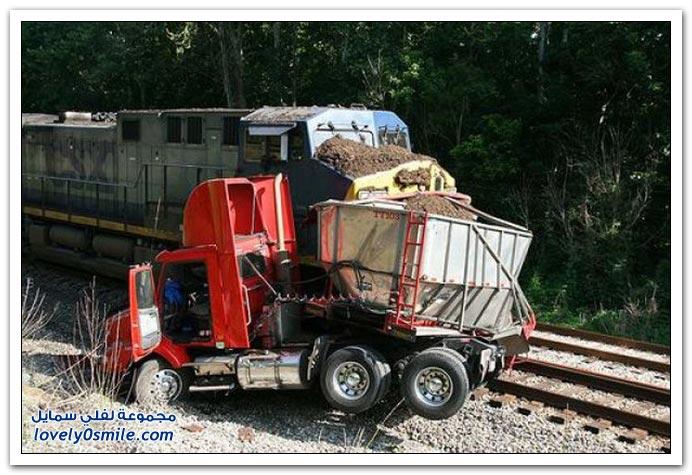 حوادث انقلاب تريلات نقل البضائع
