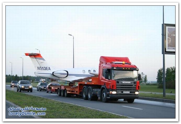 نقل طائرة خاصة في شوارع سانت بطرسبرغ