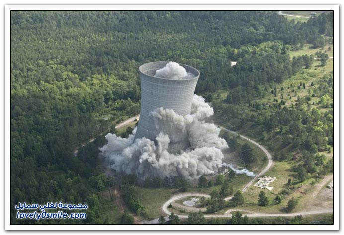 هدم برج للتبريد في ولاية كارولينا الجنوبي
