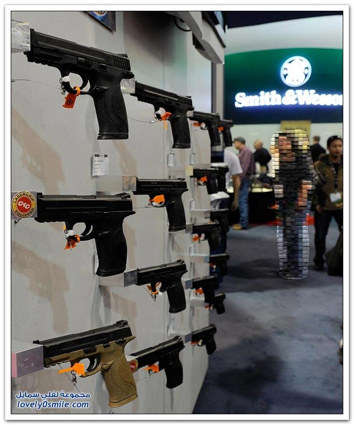 معرض المسدسات والرشاشات الحديثة في لاس فيغاس