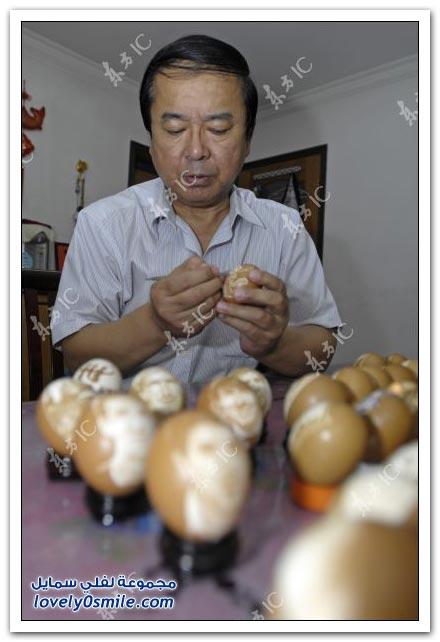 فنان صيني يرسم نجوم كرة القدم على البيض