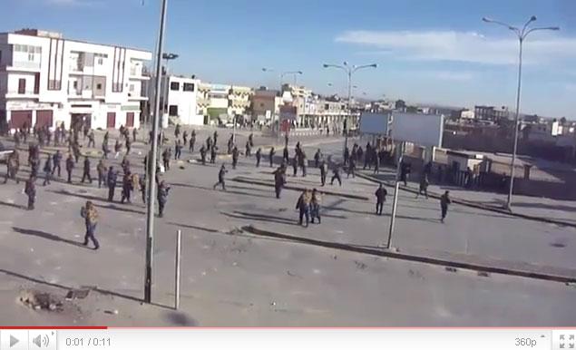 القذافي يحرق ليبيا وشعبها Youtube-00242