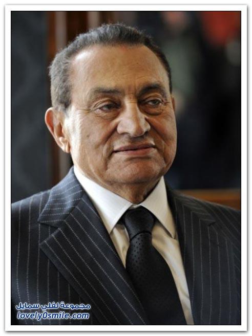 حسني مبارك حتى الملابس كتب عليها اسمه