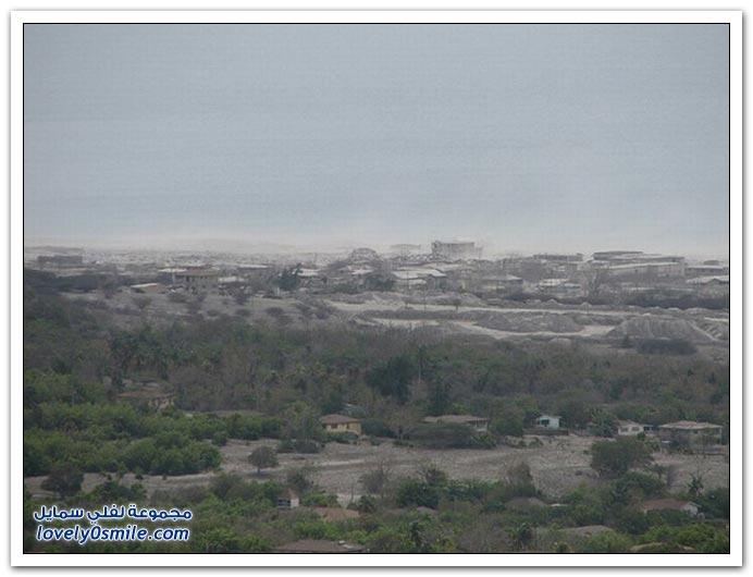 آثار بركان جزيرة مونتسيرات في البحر الكاريبي