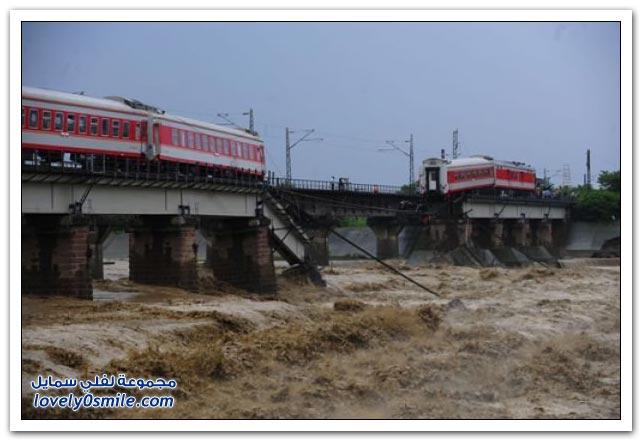 انهيار جسر للسكة الحديدية في الصين