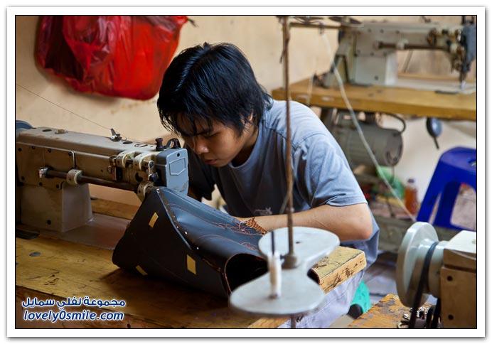 استخدامات جلد الثعبان في المشغولات اليدوية باندونيسيا