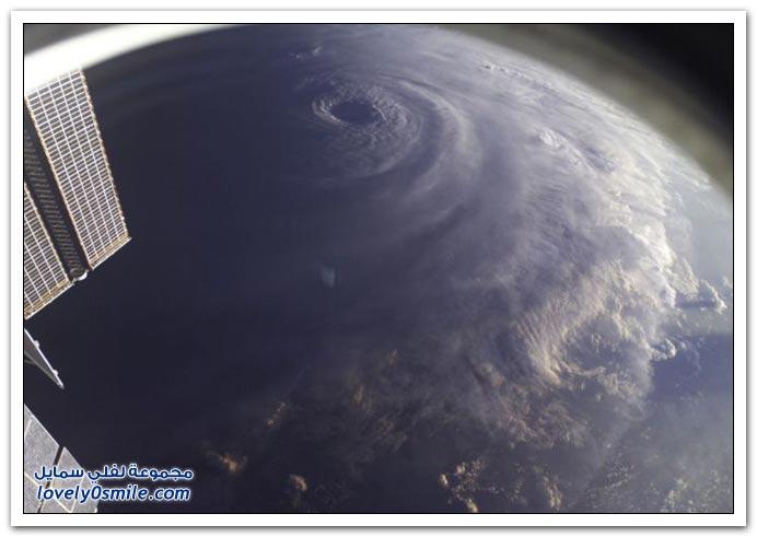 الأعاصير من الفضاء