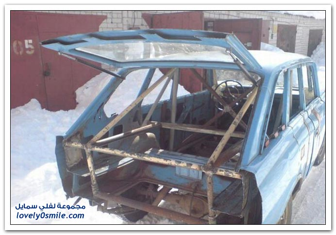 سيارة قديمة ولكن بعد التجديد المحلي في روسيا