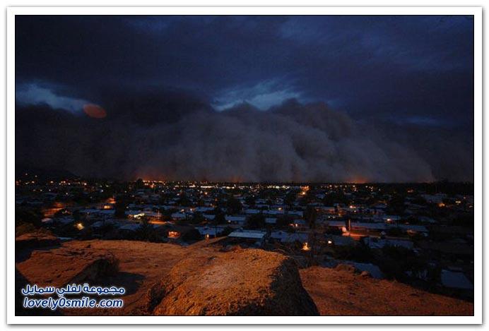 صور عاصفة ترابية في مدينة فينيكس الأمريكية