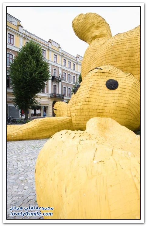 بناء أكبر تمثال لأرنب