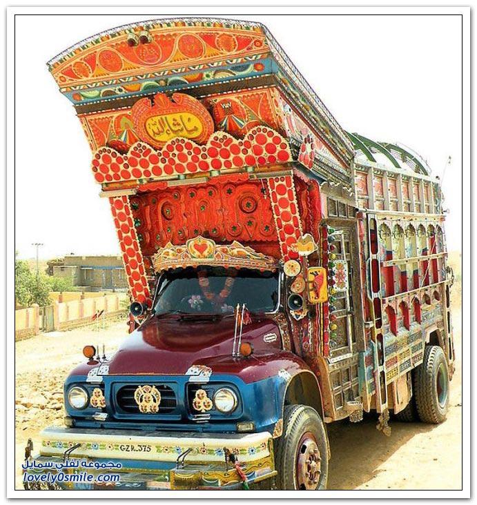 الشاحنات في باكستان(صور) Decorating-trucks-in-Pakistan-04