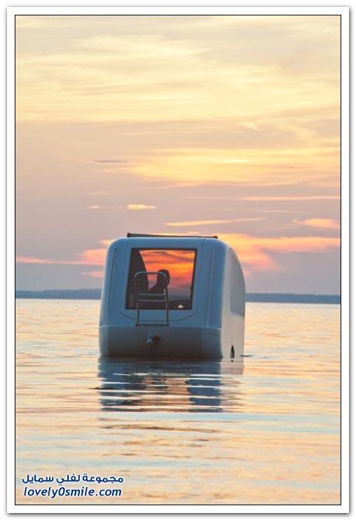 قارب بحري رائع