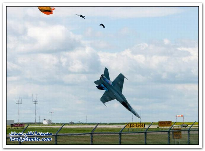 تحطم طائرةحربية كندية ونجاة قائد الطائرة
