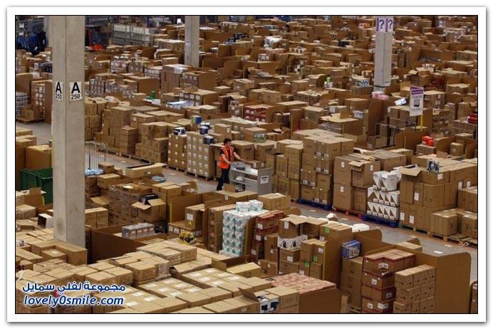 صور من داخل مستودع شركة أمزون