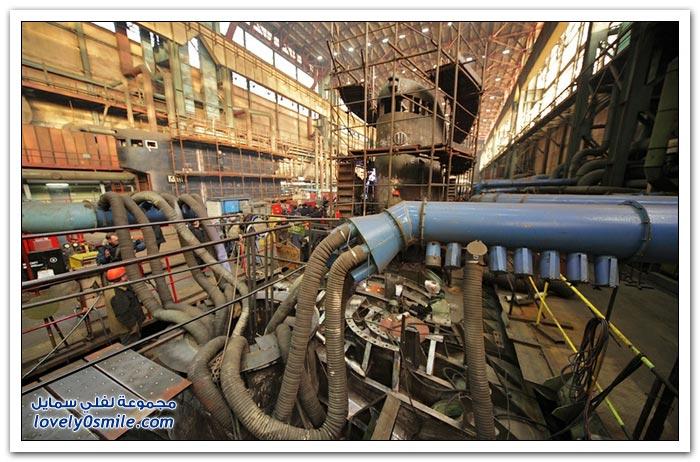 مصنع غواصات وسفن في روسيا