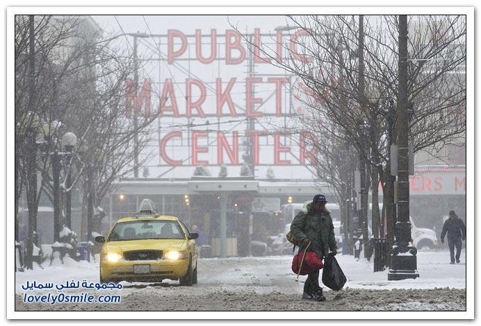 صور مدينة سياتل الأمريكية تتعرض لعاصفة ثلجية عنيفة
