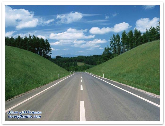 جمال المناظر الطبيعية مع الطرق حول العالم