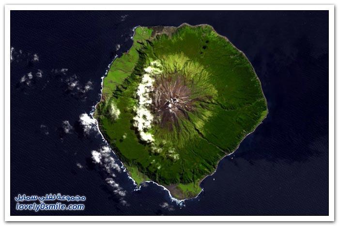 أبعد جزيرة مأهولة بالسكان في العالم