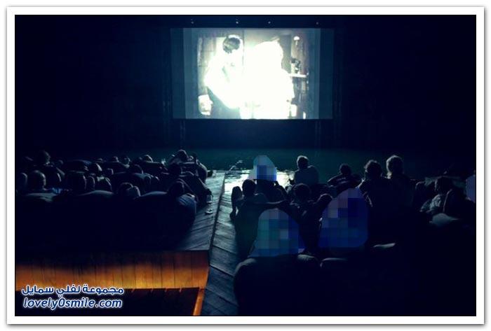 مسرح وسينما في البحر في تايلاند
