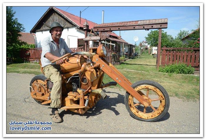 دراجة نارية خشبية