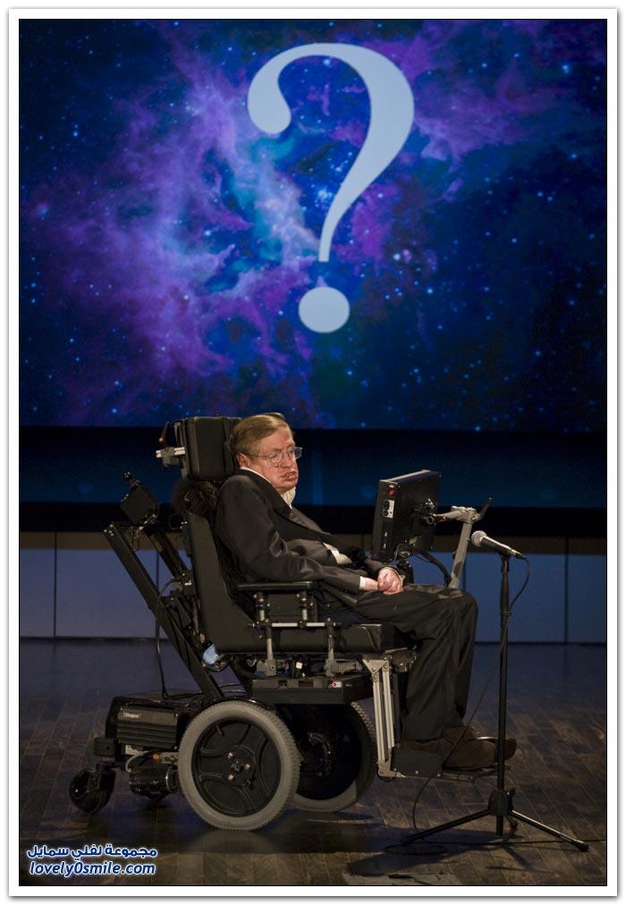 ستيفن هوكينغ مُقعد يجوب الكون بالذكاء ويثقبه