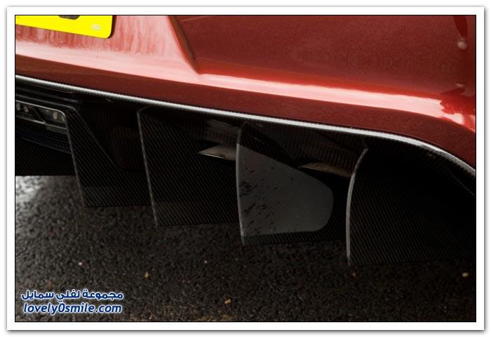 سيارة أستون مارتن 2012