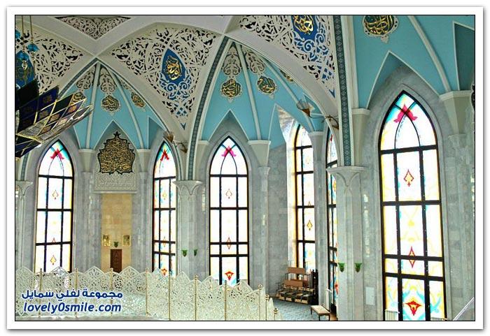 مسجد كول شريف ذو اللون الأبيض والأزرق في كازان
