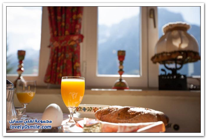 فندق في قرية ميتينوالد في جبال الألب