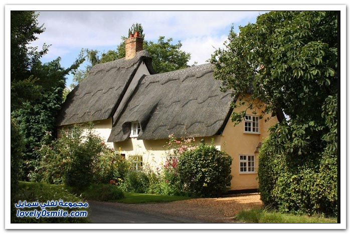 استخدام القش في أسقف المنازل الإنجليزية