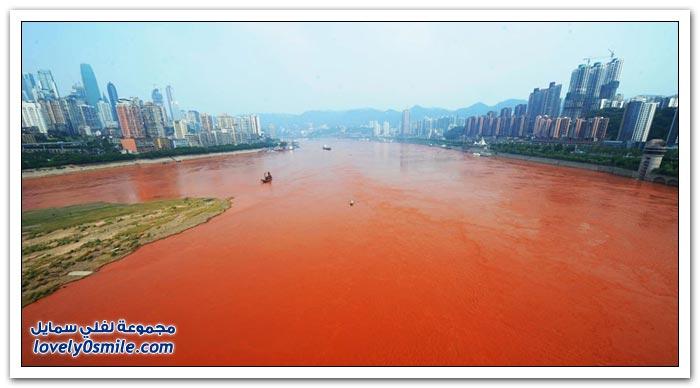 نهر اليانغتسى في الصين أصبح أحمر نتيجة الفيضانات