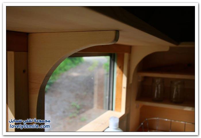 تصميم رائع لبيت متنقل في باص قديم