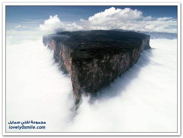 أكبر قمة جبلية مسطحة في العالم جبل رورايما