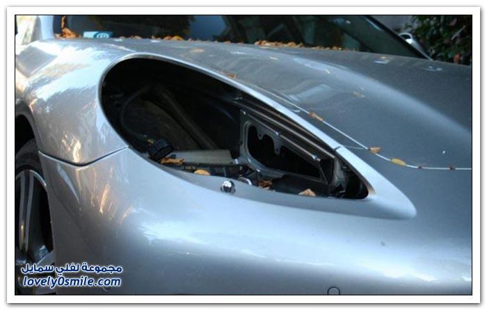 لصوص يسرقون المصابيح الأمامية لسيارات بورش