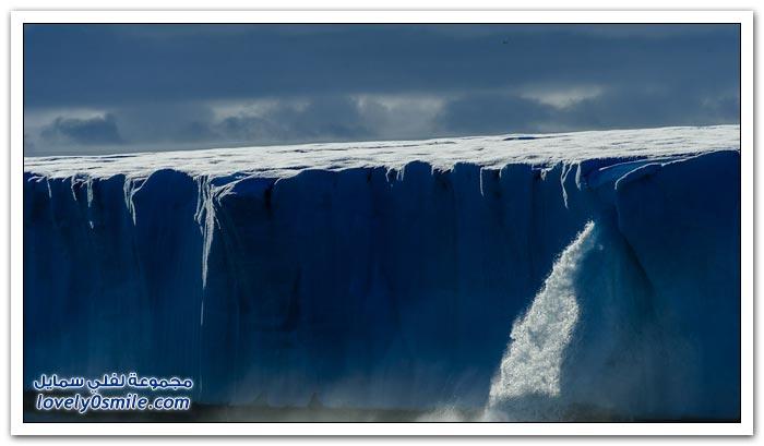الشلالات الجليدية في القطب الشمالي